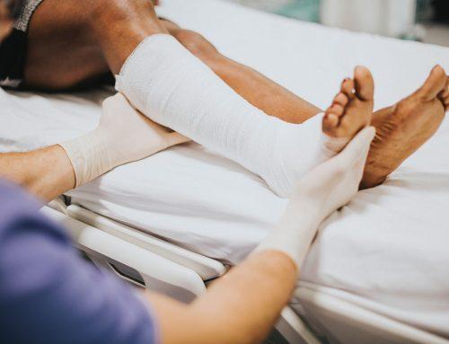 Materiały opatrunkowe – podstawowe wyposażenie apteczek i gabinetów lekarskich