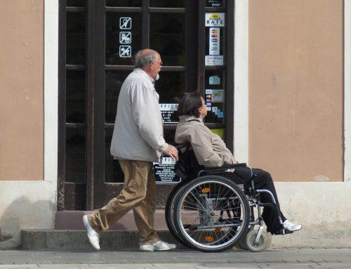 Pomocne przyrządy i produkty dla osoby niepełnosprawnej na stałe i czasowo